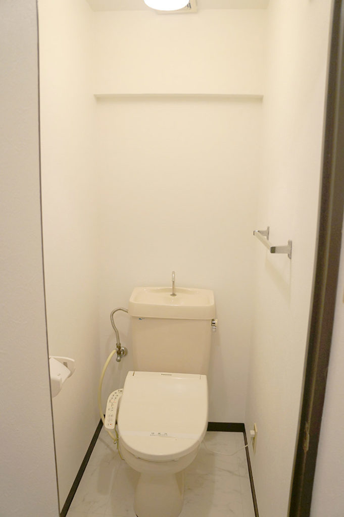 片野203号室のトイレ